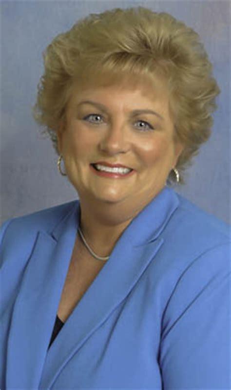 harford house harford family house announces leadership changes new executive director robin