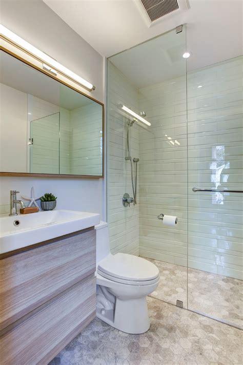 30 best bathroom designs of 2015 bathroom designs маленький совмещенный санузел может быть идеальным