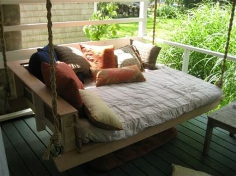 pallet bed swing enjoy with pallet porch swing in leisure time 101 pallets