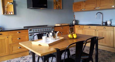 renover cuisine rustique en moderne une cuisine moderne et rustique 224 la fois mission