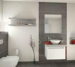 badezimmer gefliest die 25 besten graue badezimmer ideen auf