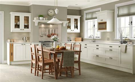 ivory shaker kitchens beautiful ivory shaker kitchen doors kensington ivory classic uform