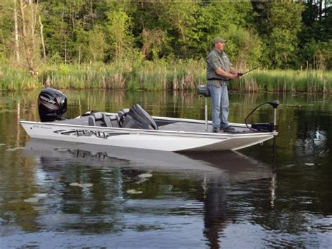 boats for sale in muskegon michigan lund renegade 1775 boats for sale in muskegon michigan