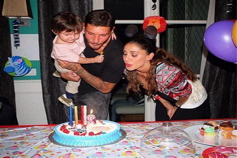 festa di compleanno a casa il figlio di belen compie due anni festa di compleanno in