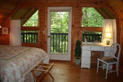 Cabin Rentals In Dahlonega Ga by Cabins Cavender Creek Mountain Cabin Rentals