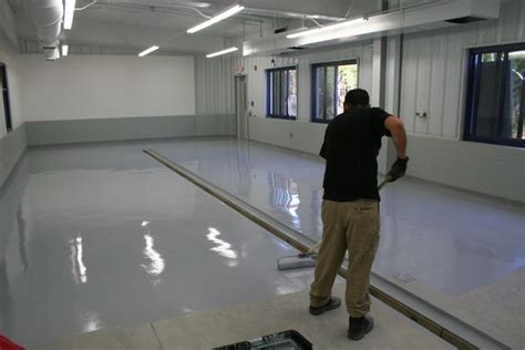 Best Garage Floor Paint & Coatings for HIstoric Milwaukie