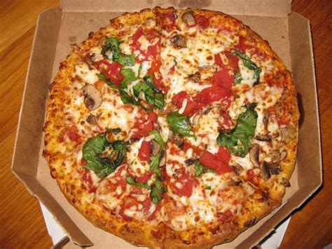 domino pizza hand tossed hand tossed crust with mushrooms spinach and diced