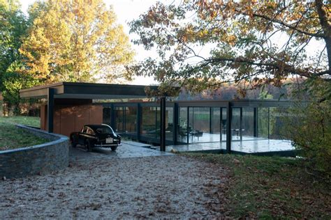 Movie House Modernist by Batman S Taste In Modernist Furniture Revealed In Google