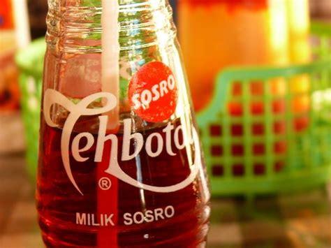 Teh Botol Sosro Green Tea whatever the meal is we always drink teh botol