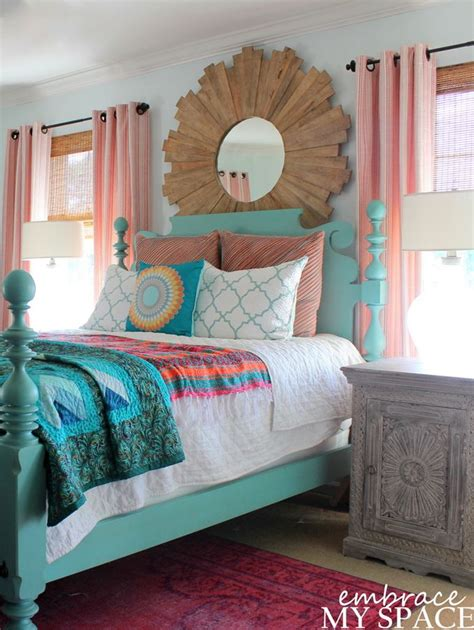 Happy Bedroom Colors by Best 25 Colorful Bedroom Designs Ideas On