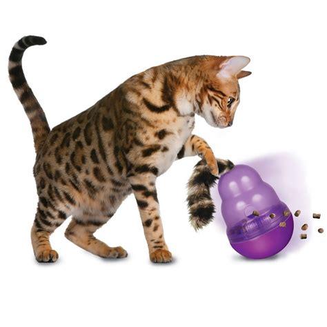 Kong Wobbler Small Mainan Anjing kong wobbler cat treat dispensing