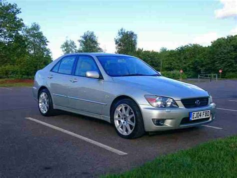 lexus is200 key lexus 2004 is200 se silver 12 months mot 3 car for sale