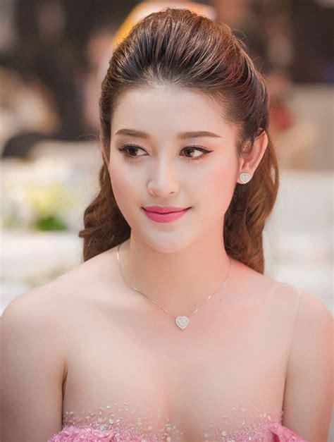 Anh Nguoi Mau Ao Tam Viet Nam | 6 n 224 ng hậu việt l 224 t 226 m điểm ch 250 253 của dư luận thoi trang