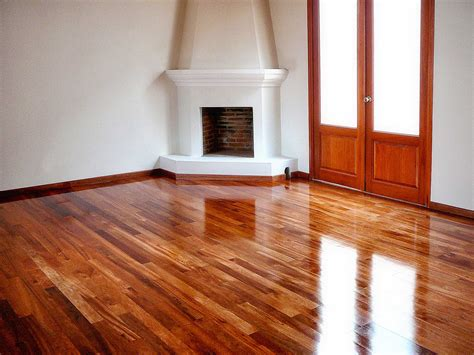 piso de pisos de madera