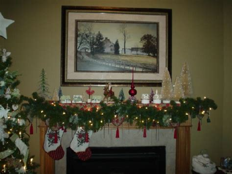 how to decorate a fireplace for christmas 40 christmas fireplace mantel decoration ideas