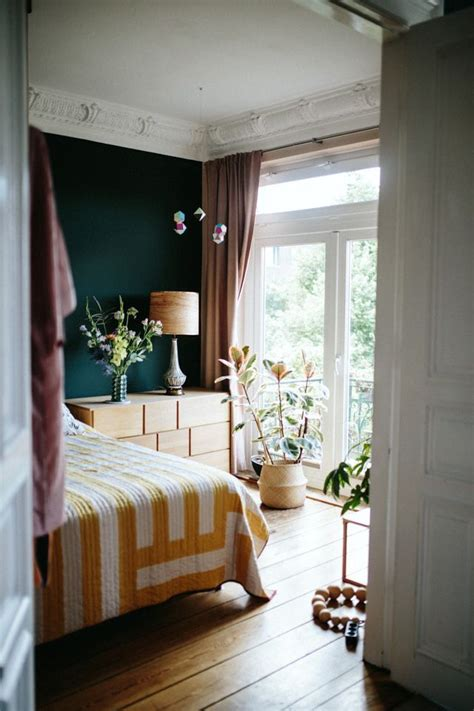 dark brown bedroom walls 25 best ideas about brown accent wall on pinterest