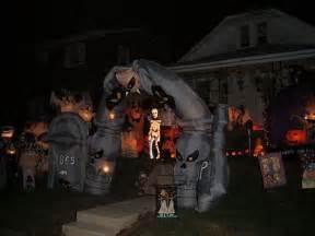 Scary Halloween Yard Decorating Ideas 13 Halloween Front Yard Decoration Ideas
