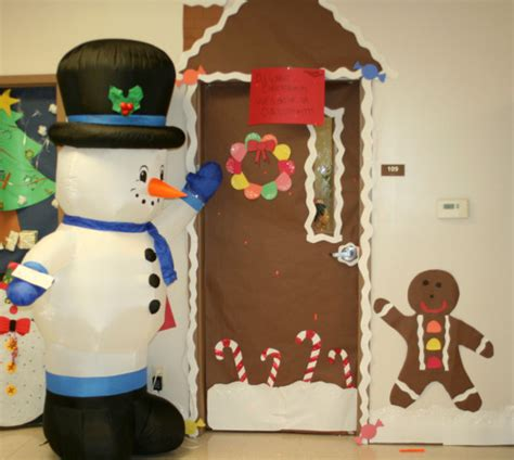 pictures of christmas door decorations for school