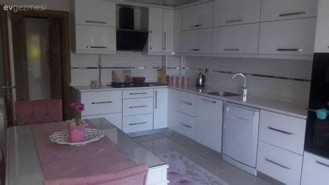 pin beyaz modern mutfak tezgah tasarimi on pinterest mutfak mutfak masası beyaz mutfak tezgah arası seramik
