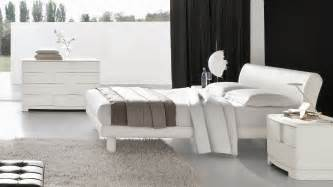 Solid White Bedroom Furniture White Wood Bedroom Furniture Design Decorating Ideas Image Solid Roomwhite Sets