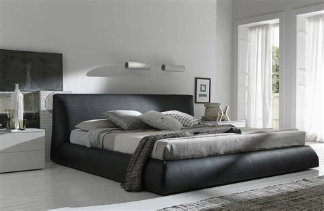 bedroom bed nikko italian platform bed haikudesigns