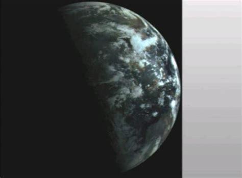 Mudahnya Shalat Malam luar biasa satelit rusia merekam bumi saat siang dan malam