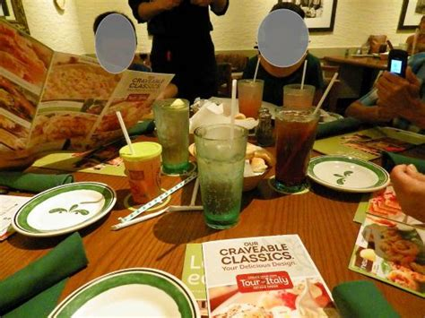 late family dinner picture of olive garden