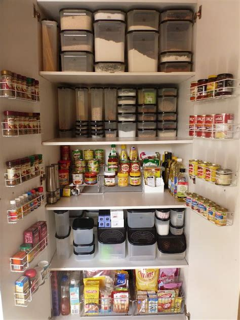 Tupperware Pantry by Best 25 Pantry Cupboard Ideas On Kitchen