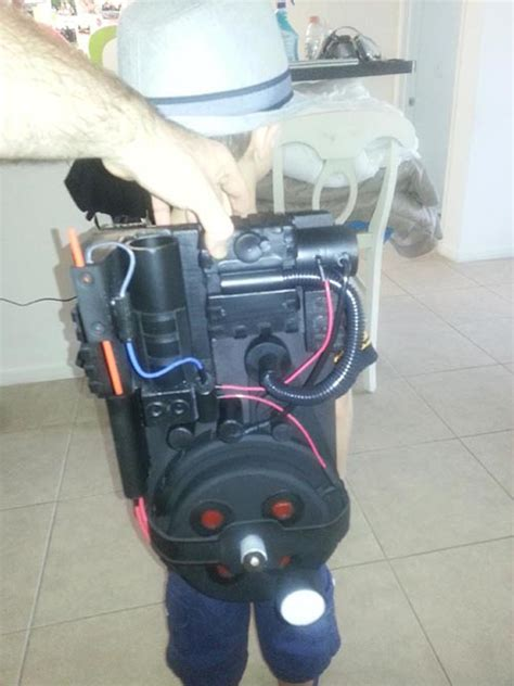 make a ghostbusters proton pack build a ghostbusters proton pack for a costume or ghost