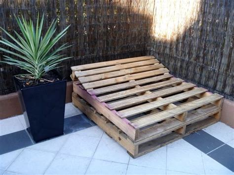 how to build a pallet bed 17 best images about m 246 bel aus paletten on pinterest