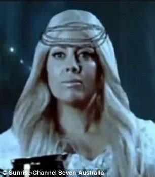 samantha armytage plays lady galadriel in lord of the