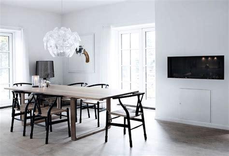 wishbone chairs  famous danish designer hans wegner