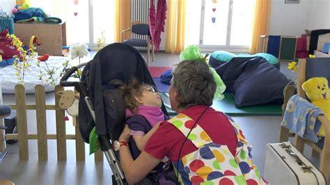 ab wann kindersitzerhöhung stiftung theodora herr und frau traum bei den kindern mit