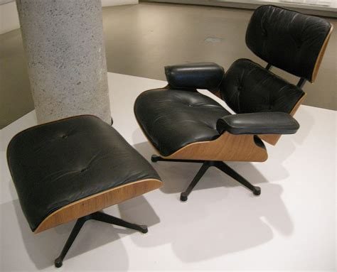Charles Eames Original Chair Design Ideas File Ngv Design Charles Eames And Herman Miller Lounge Chair 670 1956 Jpg Wikimedia Commons