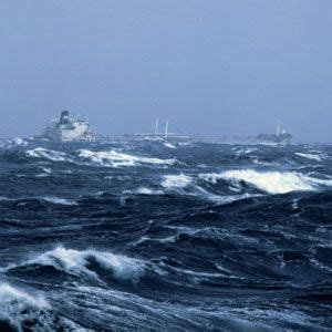 sinking boat put in bay how ships survive a hurricane at sea