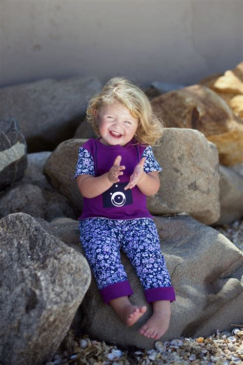 Celebrity Giveaways - mondayfunday two sliders gift card giveaway celebrity baby trends