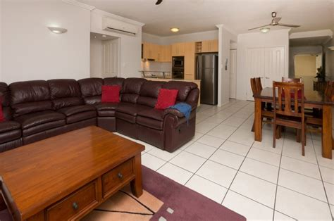 cairns 2 bedroom apartments cairns city holiday apartments cairns central accommodation