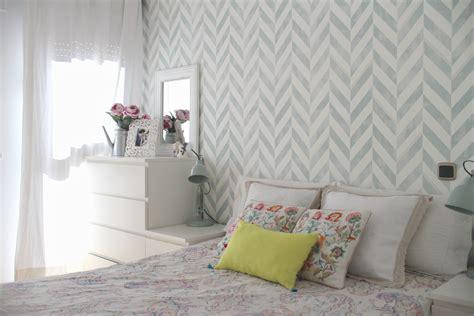 como decorar una habitacion de matrimonio  papel pintado el taller de las cosas bonitas