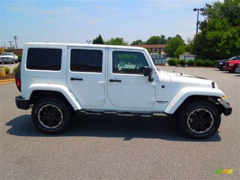 2012 White Jeep Bright White 2012 Jeep Wrangler Unlimited Freedom Edition