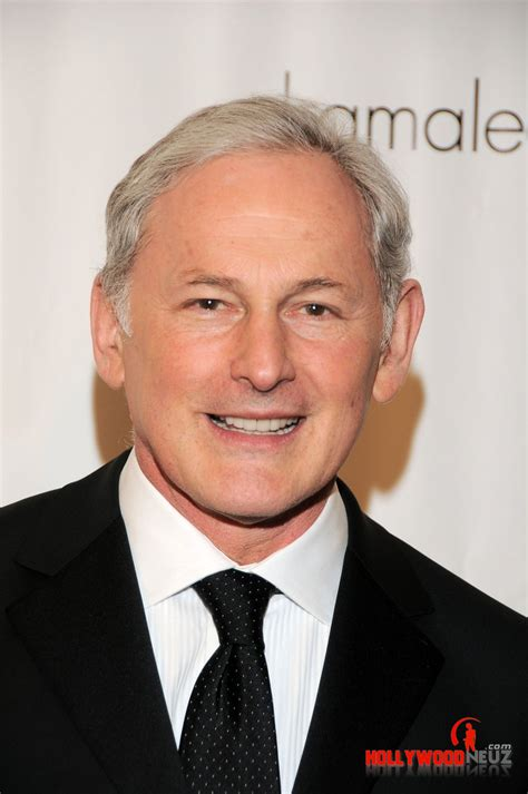 Victor Garber Biography| Profile| Pictures| News
