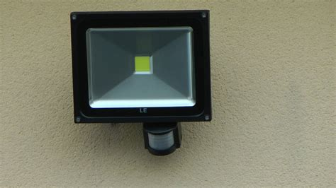 Installation Detecteur De Mouvement by Comment Installer Un Projecteur Led 224 D 233 Tecteur De