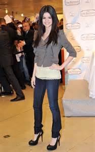 Celebrity Style by Pics Photos Celebrity Style Selena Gomez Street Fashion