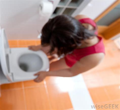 what to do when vomits what to do when vomiting during pregnancy