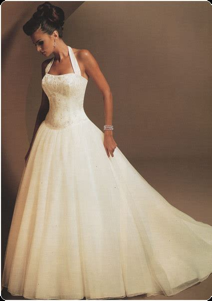 Halter Neck Wedding Dress by The Halter Neck Style For Your Wedding Gown