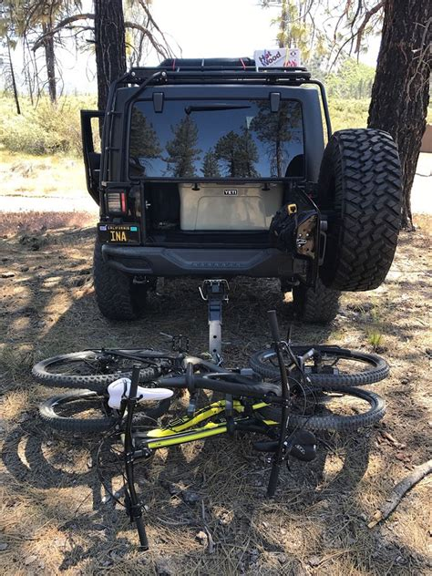 Jeep Racks And Carriers Isi Advanced Bicycle Carrier And Bike Rack Systems Jeep