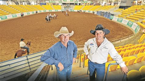 tom curtain country music gift horses for singing cowboys the northern daily leader