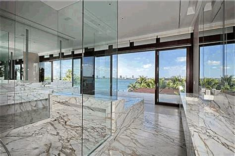 to da loos the bathroom of the most expensive home in