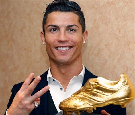 biography de cristiano ronaldo cristiano ronaldo nombrado mejor futbolista de la