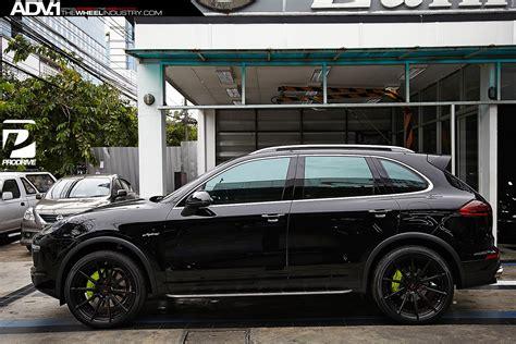 porsche suv blacked out adv 1 wheels porsche cayenne hybrid suv cars tuning