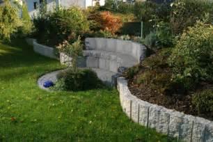 gartengestaltung mit granitsteinen granit palisaden 20 ideen f 252 r sch 246 ne gartengestaltung
